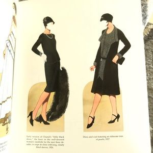 CHANEL Accents - Vintage CHANEL Fashion Review Paper Dolls NEW 2000